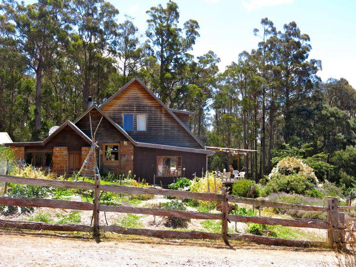 Elvenhome_main cottage with veg garden